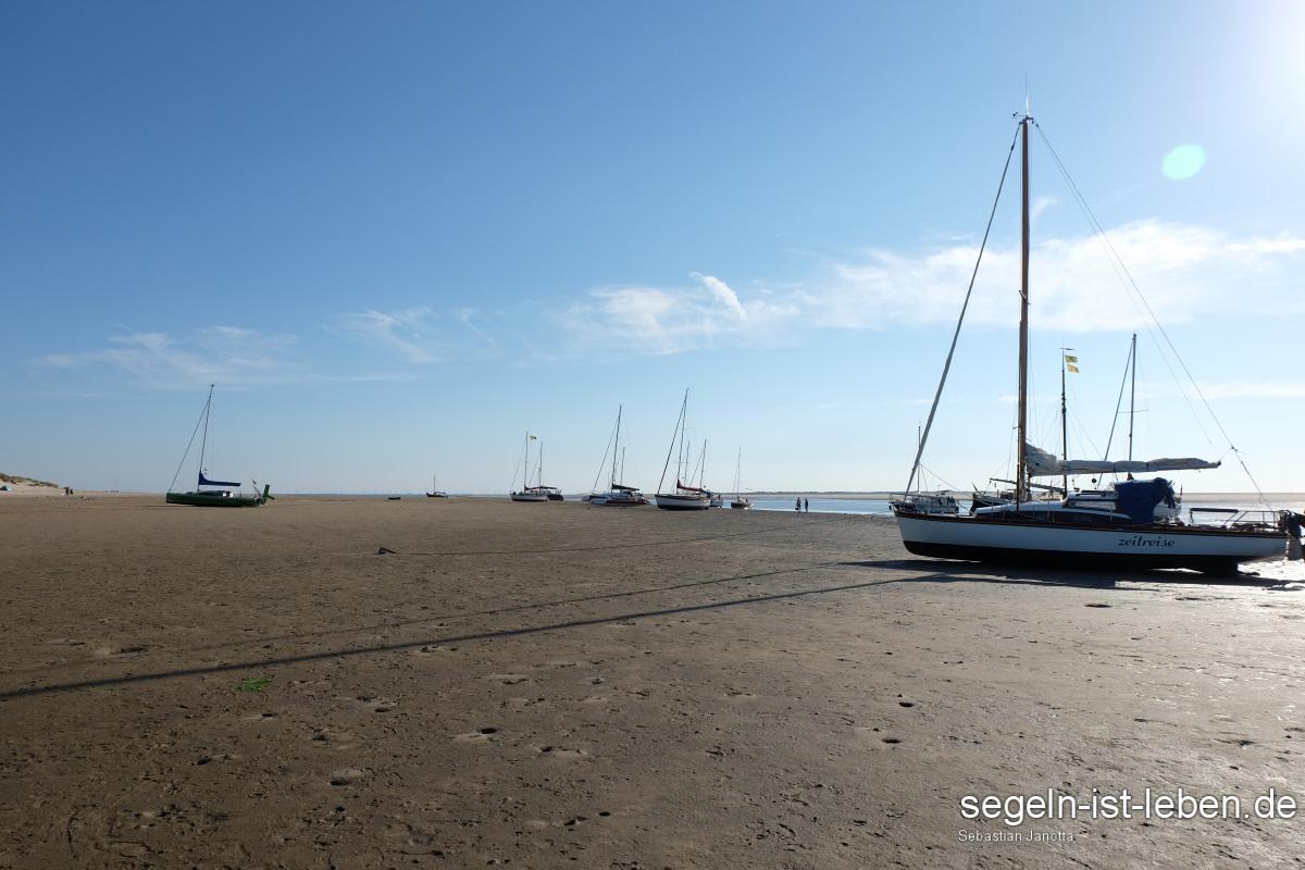 Bucht Spiekeroog Segelboote Ankerplatz trockenfallen
